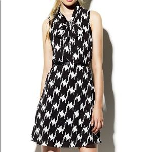 VINCE CAMUTO HOUNDSTOOTH TIE NECK DRESS